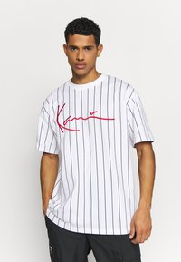 Karl Kani - SIGNATURE PINSTRIPE TEE - Print T-shirt - white/black/red - 0