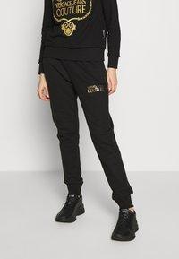 Versace Jeans Couture - LADY TROUSER - Teplákové kalhoty - nero - 0