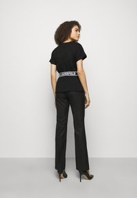 KARL LAGERFELD - LOGO TAPE - Pyjama top - black - 2
