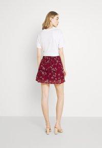 Vero Moda - VMWONDA SMOCK SHORT SKIRT - A-line skirt - tibetan red/eliza - 2