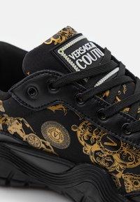 Versace Jeans Couture - IMPULSE - Sneakers laag - nero/oro - 5