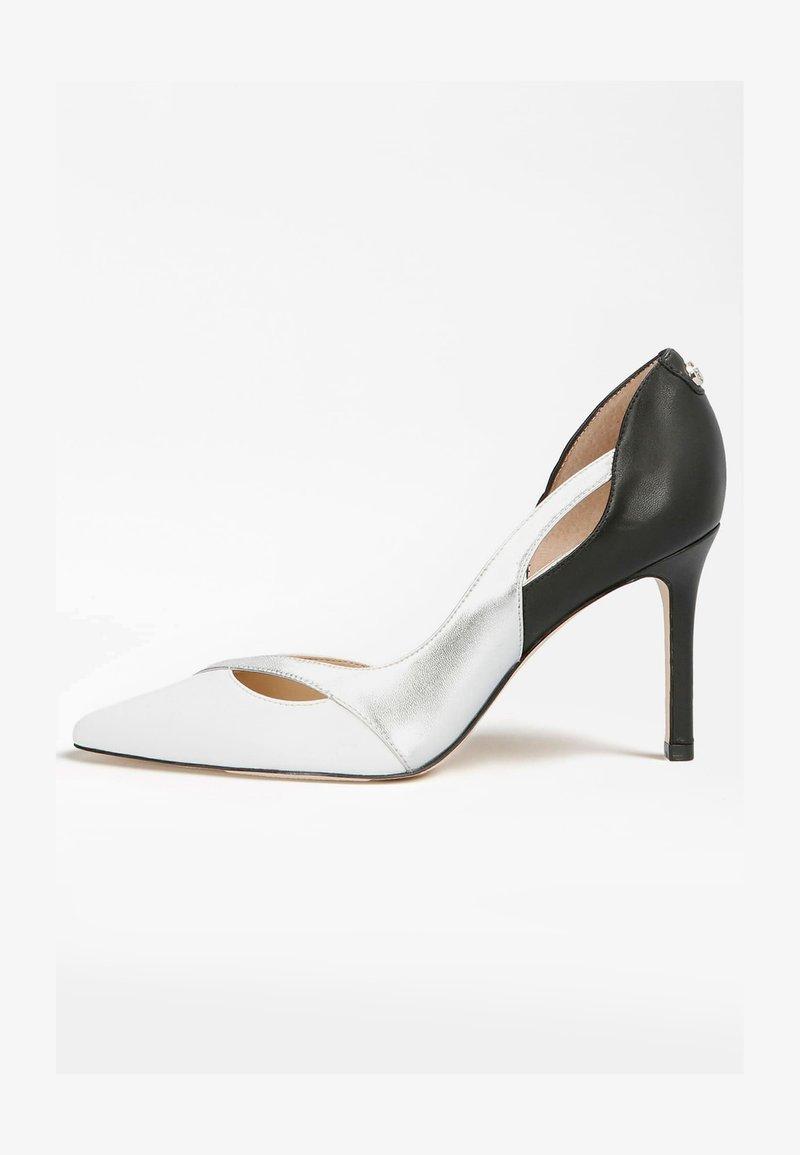 Guess - DENALY - High heels - mehrfarbig, weiß