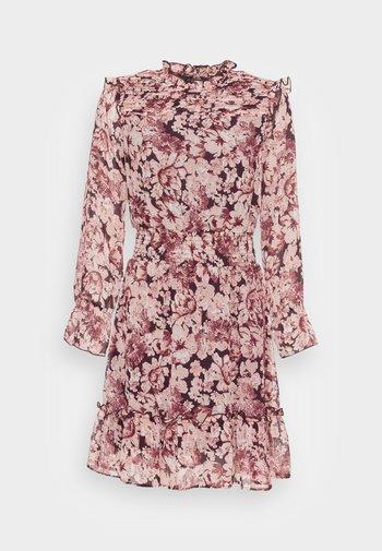 ONLSKYE SMOCK DRESS - Vardagsklänning - rose browntonal