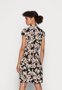 comma - Shirt dress - black/beige - 2