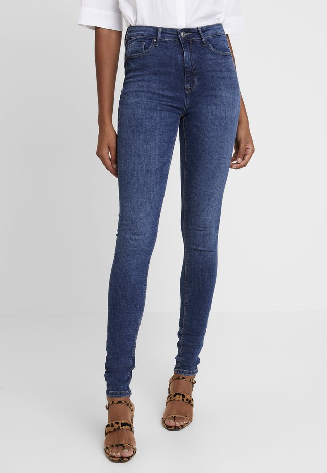 ONLPAOLA HIGHWAIST - Jeansy Skinny Fit - medium blue denim