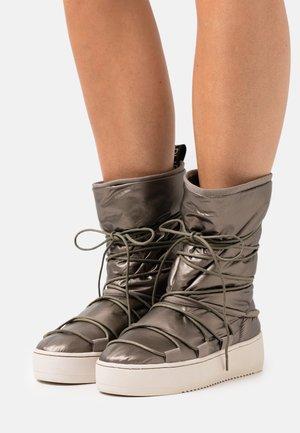 RIVER - Winter boots - bronze