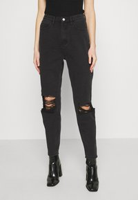 Missguided - BUSTED KNEE MOM JEAN - Relaxed fit jeans - black - 0
