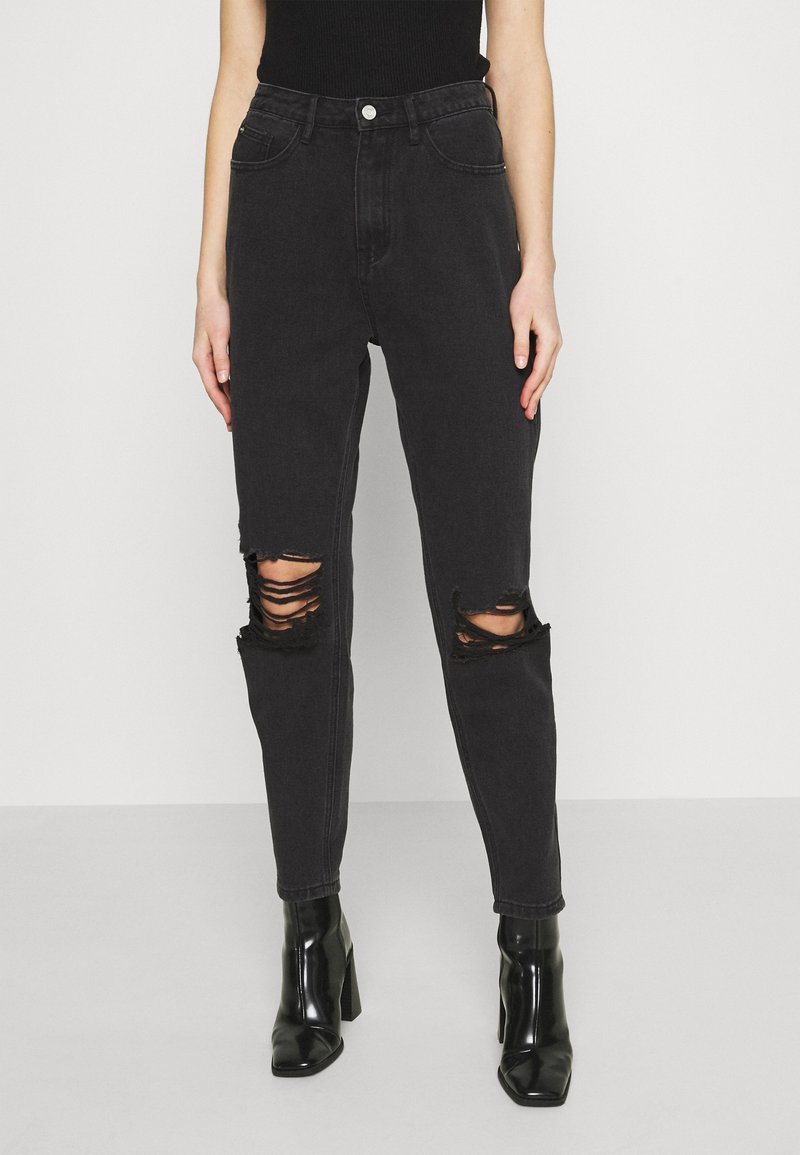Missguided - BUSTED KNEE MOM JEAN - Relaxed fit jeans - black