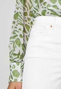 Topshop - THIGH RIP JAMIE  - Jeans Skinny Fit - white - 6