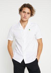 Burton Menswear London - PINEAPPLE - Shirt - white - 0