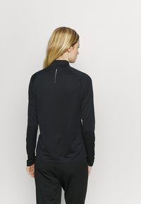 ODLO - MIDLAYER CERAMIWARM ELEMENT - Camiseta de deporte - black - 2