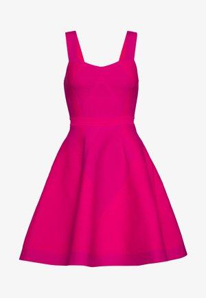 RELIEFA - Jersey dress - fuchsia