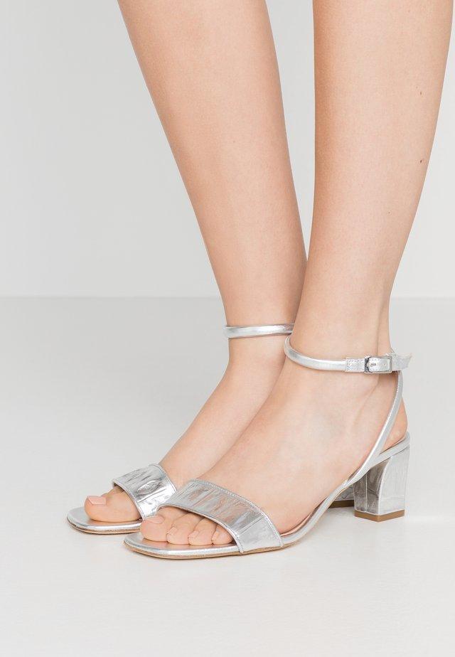 Sandały - argent