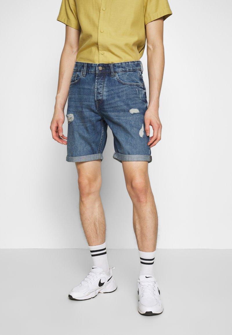 Only & Sons - ONSAVI LOOSE BLUE  - Denim shorts - blue denim