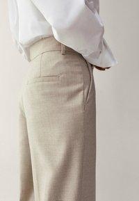 Massimo Dutti - Pantalon classique - beige - 6