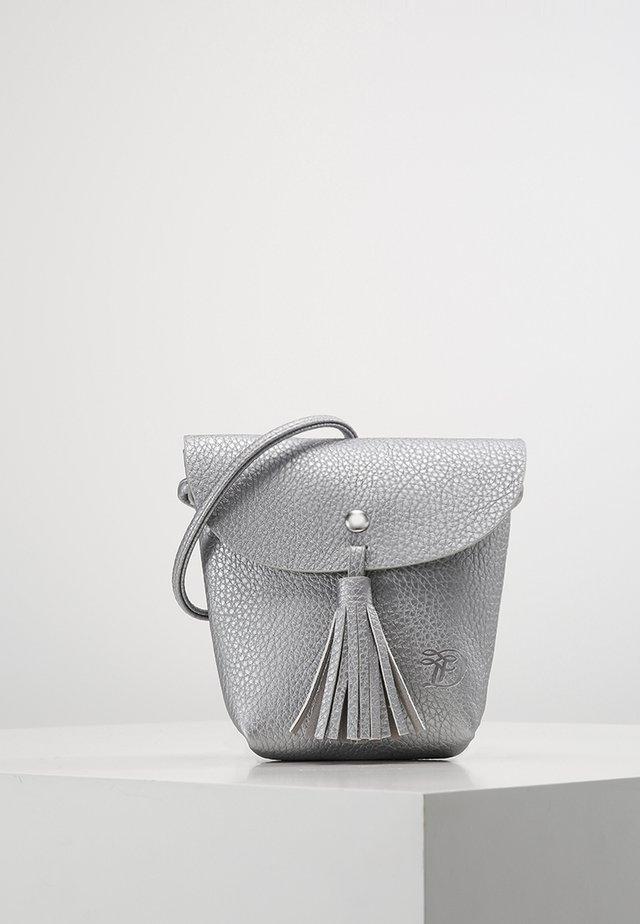 IDA - Across body bag - silber