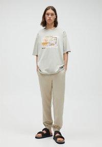 PULL&BEAR - Print T-shirt - green - 1