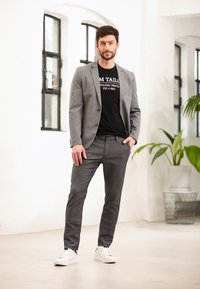 TOM TAILOR - STRUCTURE - Chinosy - black/white - 5