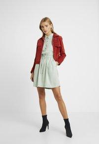 Miss Selfridge Petite - DRESS - Vapaa-ajan mekko - green - 2