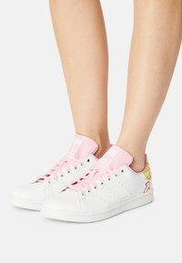 adidas Originals - STAN SMITH - Zapatillas - white/true pink - 3