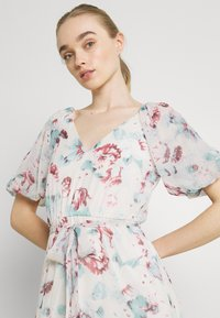 Nly by Nelly - DEEP BACK VOLUME GOWN - Maxi dress - multicoloured - 3