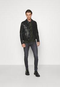 Emporio Armani - POCKETS PANT - Slim fit jeans - nero - 1