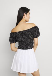 Miss Selfridge - SPOT CROP MILKMAID BLOUSE - Print T-shirt - black - 2