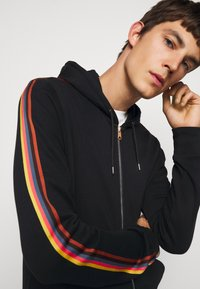 Paul Smith - GENTS ZIP THROUGH TAPED SEAMS HOODY - Mikina na zip - black - 3