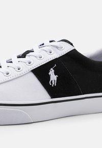 Polo Ralph Lauren - SAYER - Tenisky - black/white - 5