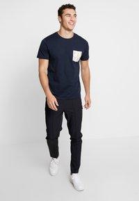 Jack & Jones - Print T-shirt - total eclipse - 1