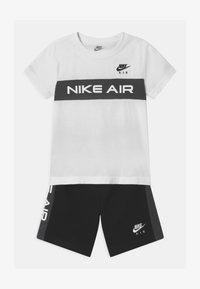 Nike Sportswear - AIR SET  - Pantalones deportivos - black/white - 0