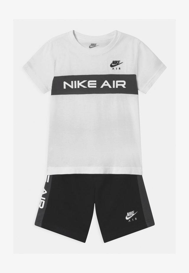 AIR SET  - Pantalones deportivos - black/white