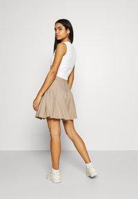 Monki - TINDRA SKIRT - Pleated skirt - beige medium dusty - 2