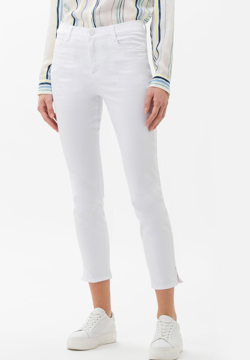 BRAX - STYLE SHAKIRA  - Jeans Skinny Fit - white