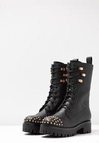 Versace Jeans Couture - Enkellaarsjes met plateauzool - nero - 4