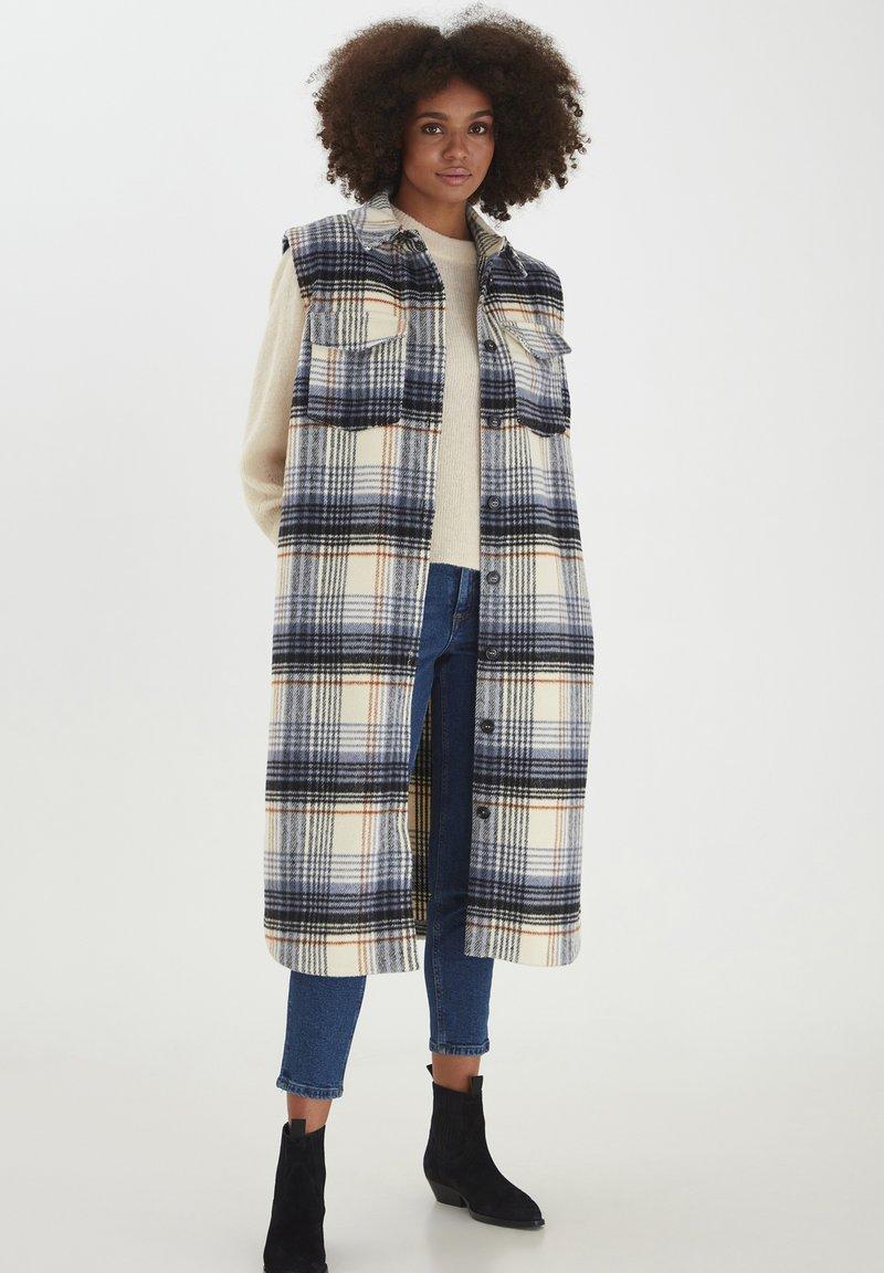 ICHI - Waistcoat - tapioca