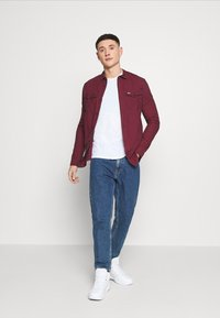 Tommy Jeans - GINGHAM WESTERN - Shirt - deep crimson - 1