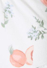 Gilly Hicks - PRINTED COZY SHORT - Pyjama bottoms - white - 5