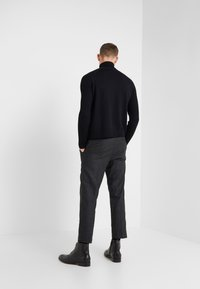 YMC You Must Create - HAND ME DOWN TROUSER - Trousers - charcoal - 2