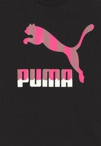 Puma - CLASSICS TEE - Print T-shirt - black - 2
