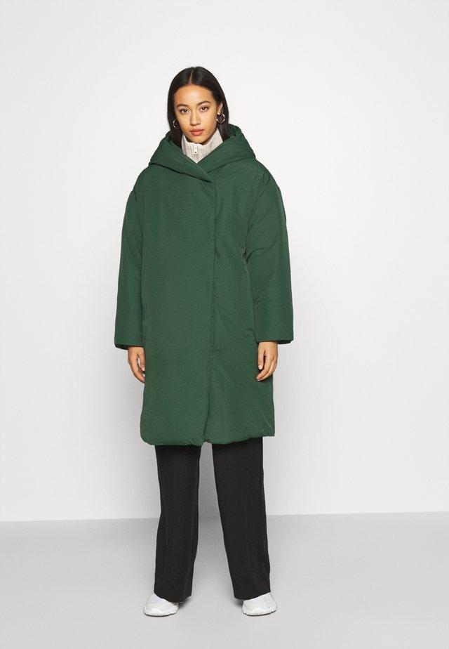 JANNA COAT - Płaszcz zimowy - green