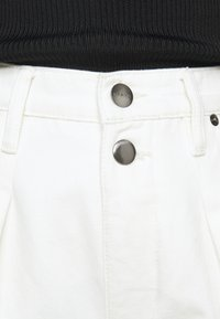 Frame Denim - MOSAIC PLEATED  - Relaxed fit jeans - vintage white - 6