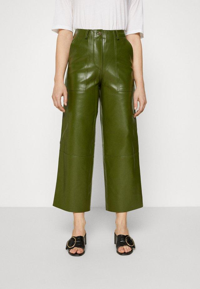 PRESLEY VEGAN CACTUS LEATHER PANTS - Kangashousut - green