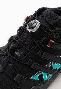 adidas Performance - TERREX SWIFT R2 GTX - Hikingsko - core black/purple tint - 5
