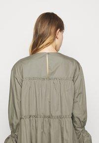 Mykke Hofmann - Day dress - dust green - 5