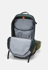 Deuter - FUTURA 27 UNISEX - Backpack - ivy/khaki - 2
