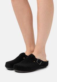 s.Oliver - Slippers - black - 0