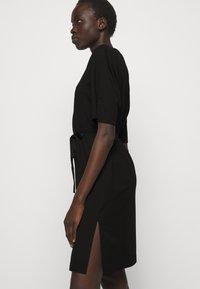 DESIGNERS REMIX - MODENA SLIT DRESS - Žerzejové šaty - black - 4