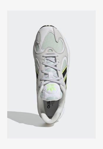 YUNG-1 SHOES - Baskets basses - green