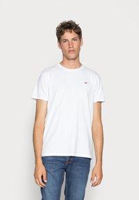 Hollister Co. - 5 PACK CREW  - Camiseta estampada - white/grey/red/navy texture/black - 4